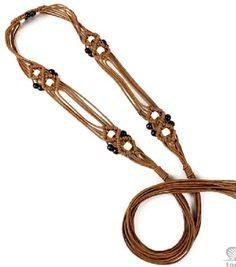 0f165d60e Cinturón en macramé marrón con bolitas de madera .Medidas: 175cm.Cordón  encerado.