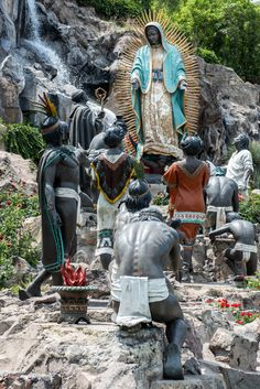 Basílica de Guadalupe Blessed Mother Mary, Blessed Virgin Mary, Our Lady, Buddha, Statue, Art, Plaza Design, Pictures Of Christ, Mothers