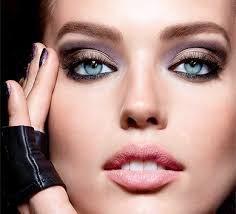 Ojos Sensibles es un problema típico. Aquí encontraras porque se producen y como solucionarlo, deforma fácil en tu propio hogar.