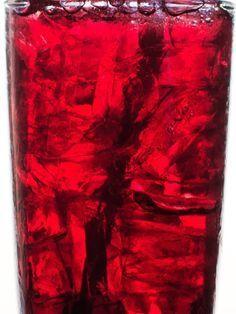 Ein Glas Traubensaft vor dem Schlafengehen lässt Fettpölsterchen schmelzen