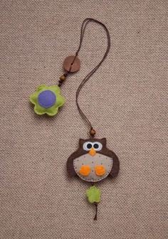 Items similar to Big owl felt bookmark, felt owl ornament on Etsy Diy Bookmarks, Crochet Bookmarks, Fabric Crafts, Sewing Crafts, Sewing Projects, Owl Ornament, Felt Ornaments, Marque-pages Au Crochet, Felt Bookmark