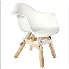 Kubikoff Icon armchair, design eetkamerstoel met armleuning en houten onderstel