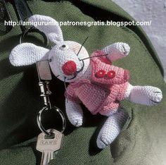 Precioso conejito para llevar colgando del bolsoen un llavero, o bien para juguete de los niños Abreviaturas: cad = cadena (s) pb = punto...