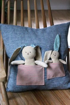 Sewing for Easter: make rabbit pillows yourself Make rabbit pillow yourself Easter Pillows, Baby Pillows, Throw Pillows, Baby Crafts, Easter Crafts, Diy And Crafts, Sewing Toys, Baby Sewing, Baby Couture