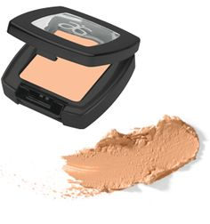 #Arbonne Crème Concealer masks imperfections, fine lines, dark circles and puffiness with a velvety formula that dries to a powdery soft finish. With Optilight Technology finish lasts throughout the day. ( 2.2 g ) $32.00  Available online at www.laylakelling.myarbonne.com  We ship within Canada, United States, Australia, United Kingdom