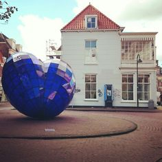 The blue heart of Delft.