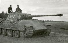 "1944, Ukraine, Le Panzerkampfwagen V Panther #613 de la 6.Kompanie / SS-Panzer-Regiment 5 ""Wiking"""
