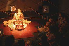 Teatro para bebês chega pela primeira vez à aldeia Guarani no município de Amambai - Projeto visa integrar população privada do acesso à cultura