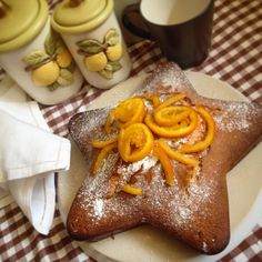 torta all'arancia. Orange cake #coffee #cookies #biscuits #biscotti #caffè #colazione #buongiorno #breakfast #merenda #italianfood #food #dolci #cake #goodmorning #misspetitefraise #ricetta #foodblogger #italy #foodporn #orange   recipe, ricetta: https://www.facebook.com/Misspetitefraise14/photos/pb.601604459979638.-2207520000.1444670132./601901276616623/?type=3&theater           https://instagram.com/p/8V2qnVFBDm/?taken-by=miss_petitefraise