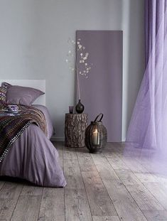 30 Modern Decor Accessories To Update Your Living Room - Home Decoration Experts Purple Bedrooms, Purple Interior, Room Interior, Design Living Room, Interior Design Boards, Traditional Decor, Home Decor Trends, Amazing Bathrooms, Bedroom Designs
