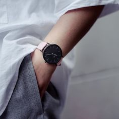 One of the @clusewatches latest members of the La Boheme family: the Full Black/Pink.