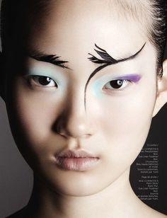 makeup Hyunji Shin by Thierry Le Goues for French Revue de Modes Spring 2016 Make Up Art, Eye Make Up, Runway Makeup, Beauty Makeup, Makeup Inspo, Makeup Inspiration, Geisha, Extreme Makeup, Foto Fashion