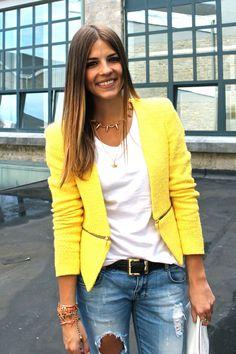 http://abrigosdemoda.com/wp-content/uploads/2015/02/Blazers-amarillos-3.jpg