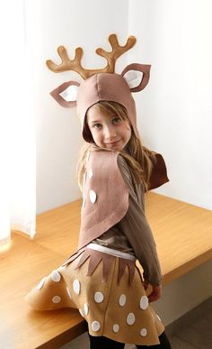 ** This is an INSTANT DOWNLOAD for a PDF SEWING PATTERN ONLY - not a finished product **  This DIY super-sweet reindeer felt costume is a fun and inspiring gift for your child. I designed this costume trying to create an identified character which have a neutral expression, so that your childs face and personality will appear. The costume parts are designed to be light, comfortable and easy to wear on and off. also safe to play with.  The pattern is for toddlers and children from 1-5 year…