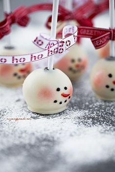 Christmas snowman cakepops