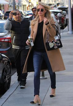 Nicky Hilton Runs Errands in the Modern Version of the Iconic Chanel Two-Toned Pumps Nicky Hilton Runs Errands in Two-Tone Chanel Pumps Slingback Chanel, Espadrilles Chanel, Chanel Pumps, Chanel Chanel, Casual Chic, Running Errands Outfit, Basic Fashion, Looks Style, My Style