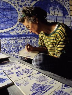 Ceramic blue tiles for bathroom by Ann Agee | Hand Painted Tiles, Artwork, Bedroom Decor. For more inspirations: http://www.bocadolobo.com/en/inspiration-and-ideas/