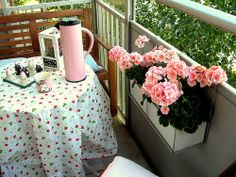 10 Ideas for Tiny Balconies | Apartment Therapy