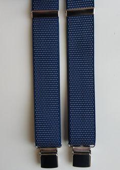 Bretelle blu a micro pois bianchi.  Particolari in vera pelle di colore nero, largh. cm 3,5 modello a Y (due clips davanti e una dietro) by SuspendersTime #italiasmartteam #etsy