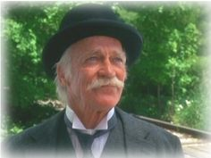 Richard Farnsworth as Matthew Cuthbert in Anne of Green Gables.  I can hardly look at this picture without tearing up!  I love Matthew so much.