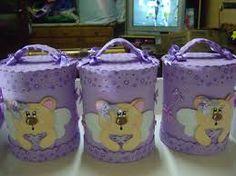 Resultado de imagem para potes decorados para bebe em eva Welcome To The Party, Diy And Crafts, Ballet, Scrapbook, Country, Altered Tins, Handmade Crafts, Pink Rug, Mason Jars