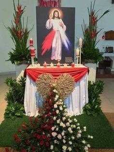Home Altar Catholic, Church Altar Decorations, Divine Mercy Chaplet, Merry Christmas Message, Cross Wallpaper, Church Flower Arrangements, Kirchen, My Flower, Flowers
