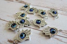 Verbindings- & buigringen - Hamsa hand charm antique silver evil eye - Een uniek product van francois2017 op DaWanda