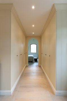 Dressing & slaapkamers - Hoskens interieurstudio Hallway Closet, Walk In Closet, Modern Country Style, Home Board, Luxury Closet, Storage Cabinets, Downlights, New Homes, Sweet Home