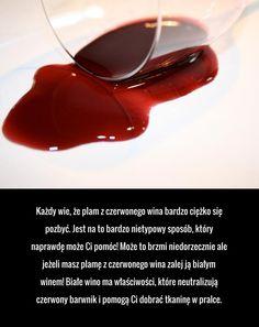 Jak sobie poradzić z plamą z czerwonego wina?