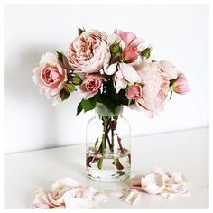 Imperfect is beautiful.  #love #flowers by gresydaniilidis http://ift.tt/1XFgAmO