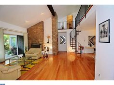 1001 CARRIAGE LN, HUNTINGDON VALLEY, PA for sale.