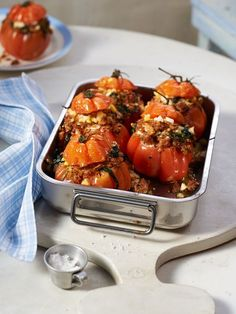 Gefüllte Tomaten mit Hack und Spinat