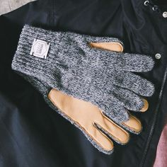 As the snow steps in your location so will the demand for these Wool & Deerskin Gloves by Upstate Stock.