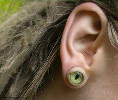 eye earring...  1000 pins!!! WHOOOOO! (i have an obsession)