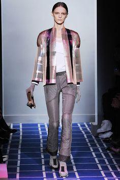Balenciaga Spring 2009 Ready-to-Wear Fashion Show - Alex Sandor (METROPOLITAN)