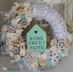 Meska - Home sweet home, menta színű tavasz ajtódísz, koszorú, kopogtató Weddingland kézművestől