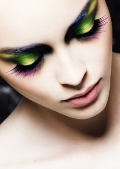 make-up-is-an-art: Sight, a beauty editorial photographed by Romain Rosa, makeup by Victoria Monvoisin. Beautiful Eye Makeup, Beautiful Eyes, Dramatic Makeup, Amazing Makeup, Eye Makeup Tips, Makeup Art, Makeup Ideas, Party Make-up, Foto Fashion