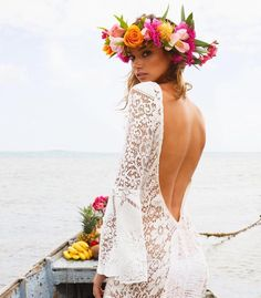 Today is #WeddingWednesday & we are excited to announce our H A K U 'H O W - T O'  L E I  MA K I N G  W O R K S H O P &  F  L O W E R  B A R with @ocean_dreamerr!  Join us for our #FSWAYFINDERS series and make your very own haku lei or  select from our 'grab-n-go' Flower Bar. Workshop will be taking place  throughout the morning so stop by at leisure and jump in!  TOMORROW THURSDAY SEPT. 22 | 9am - 1pm | $75 per person | Stop by or Sign up  with Concierge : @ocean_dreamerr @danielav