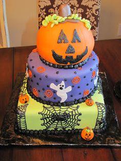 Halloween Cake omg how cute! Thanks tara! Halloween is my favorite!