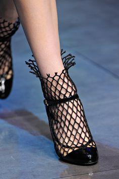 .mesh shoe