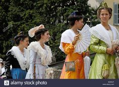 Download this stock image: Arlésiennes. Fete du Costume. Arles. Bouches du Rhone. Provence. France - BG50JP from Alamy's library of millions of high resolution stock photos, illustrations and vectors.