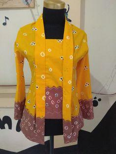 kebaya jumputan Kebaya Jawa, Model Kebaya, Batik Kebaya, Blouse Batik, Fashion Inspiration, Bridesmaid, Women's Fashion, Sewing, Formal