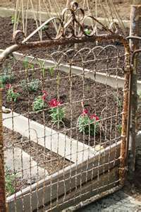 Grandmother had a gate and fence like this around the farm yard.My Grandmother had a gate and fence like this around the farm yard. Veg Garden, Garden Fencing, Garden Landscaping, Garden Junk, Garden Trellis, Glass Garden, Rustic Gardens, Outdoor Gardens, Outdoor Life