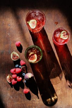 Mixed Berry & Fig Old Fashioned from Naomi Robinson for The Boys Club: Girls' Night! #Cocktails #Old_Fashioned #Berry  #Fig