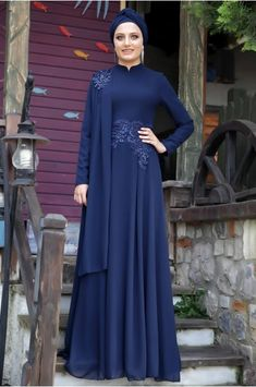 Hazal Abiye - Lacivert - Hazem Vestido Batik, Batik Dress, Hijab Elegante, Hijab Chic, Abaya Fashion, Modest Fashion, Fashion Dresses, Muslim Women Fashion, Islamic Fashion
