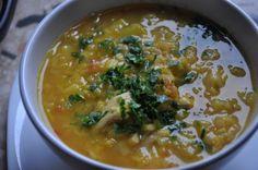 Zupa z pora, czerwonej soczewicy i pomidorów.