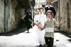 Kids in Jerusalem Celebrated Purim by Smoking Tons of Cigarettes | VICE | United States