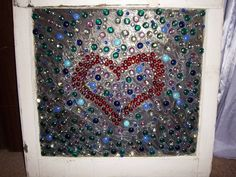 Old window pane Decorated. Silicone for the glue, glass beads, old house window. Mosaic Diy, Mosaic Crafts, Mosaic Glass, Glass Art, Old Window Panes, Window Art, Stained Glass Designs, Stained Glass Projects, Old Window Projects