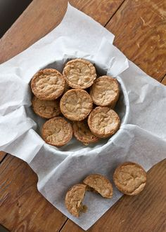 A pinner writes, These Toffee Blondie Bites baked in mini muffin tins are perfect to send in a care package to your favorite college student! Mini Muffin Desserts, Muffin Tins, Cookie Recipes, Bar Recipes, Care Packages, Foods To Eat, Desert Recipes, Dessert Bars, Cookies