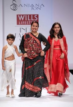"""Wills Lifestyle India Fashion Week SS Day 2 by Sanjana Jon Wills Lifestyle, Lifestyle Clothing, Natural Fiber Clothing, Celebrity Siblings, India Fashion Week, Latest Fashion Trends, Ss, Saree, Celebrities"